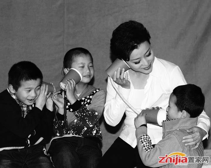 圣诞公益行丨关注听障儿童,荣盛发展邀您一起为无声世界发声!